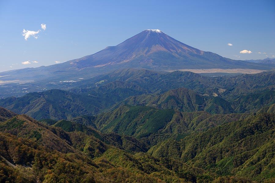初冠雪時の富士山