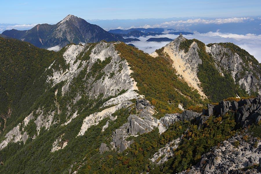 地蔵岳と甲斐駒ヶ岳