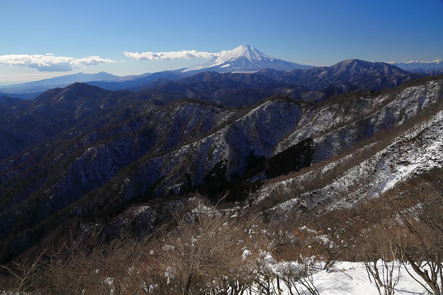 甲相国境稜線と富士山