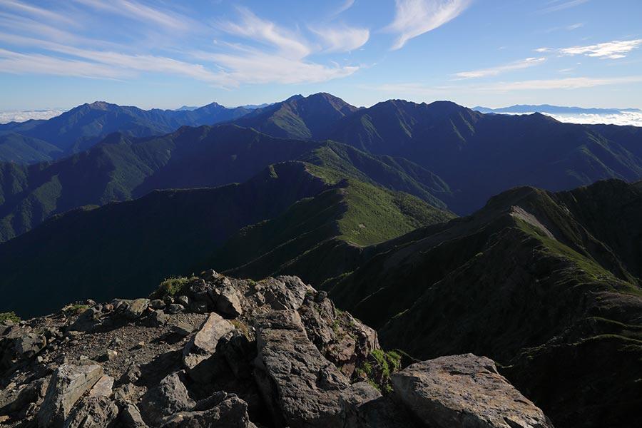 南アルプス北部の山並み