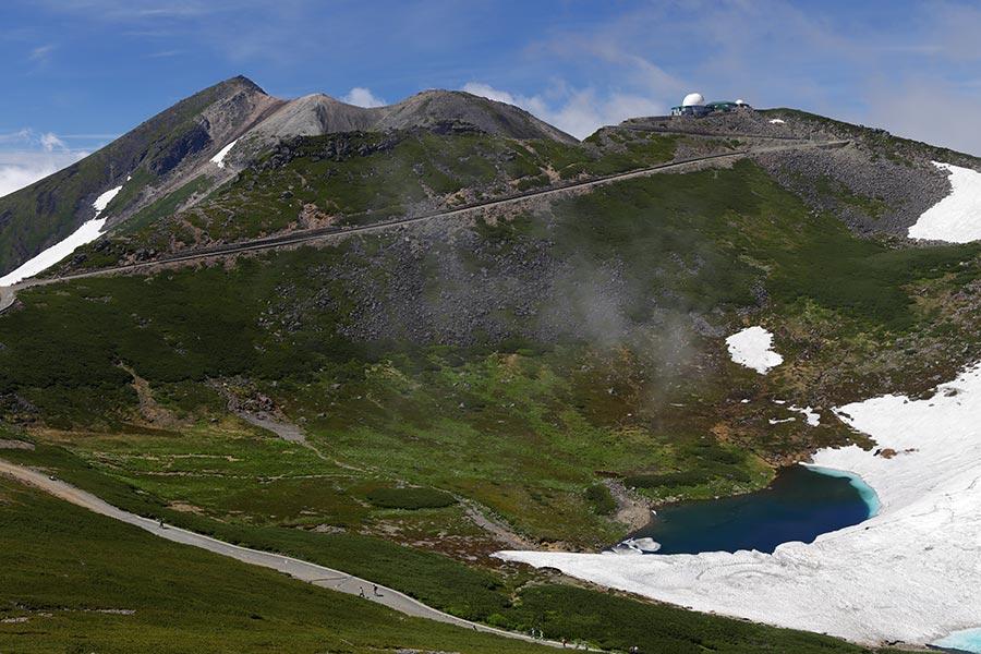 剣ヶ峰と不消ヶ池