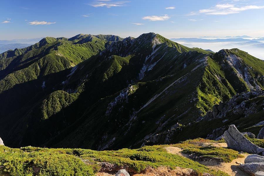 中央アルプス北部の山並み